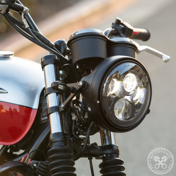 Triumph Scrambler 7 Inch Headlight Conversion with Standard side brackets