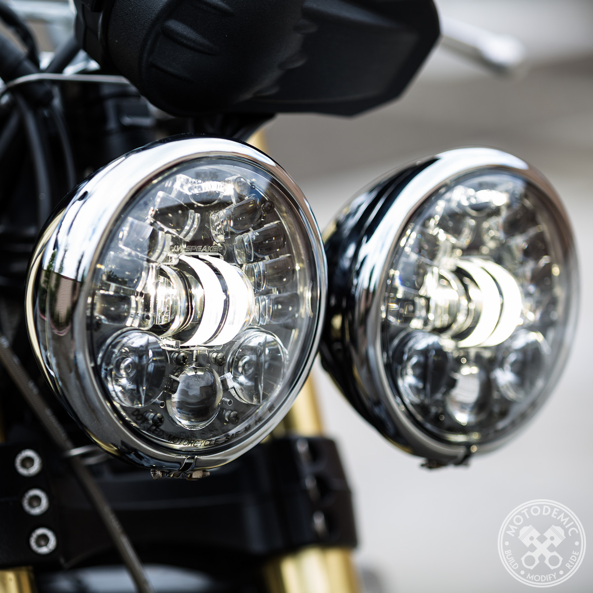 Dual Round Headlight Led Upgrade For Triumph Motodemic