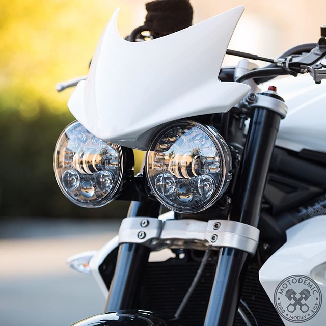 Dual Round Headlight Conversion