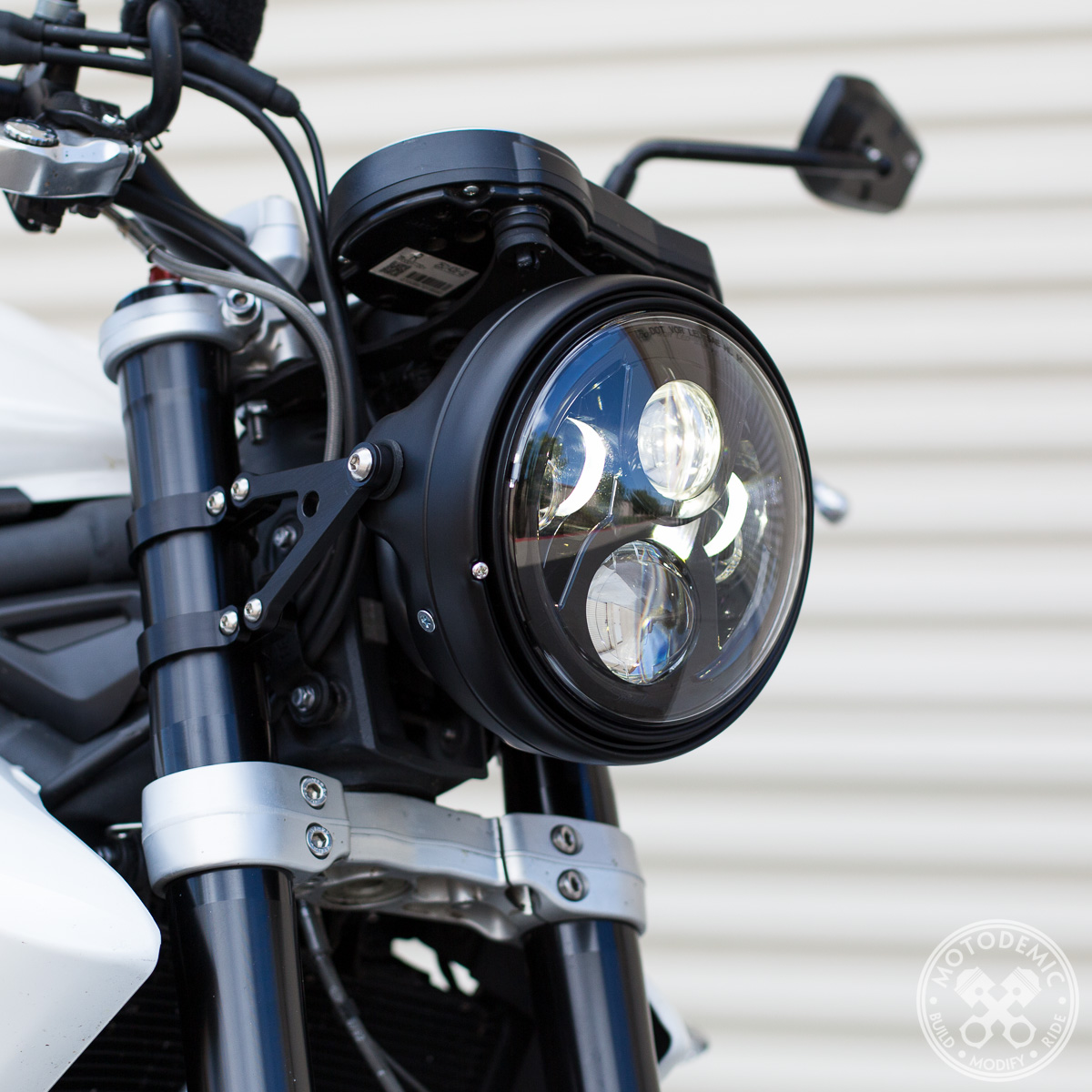 Street Triple Single Headlight Conversion 675 Motodemic