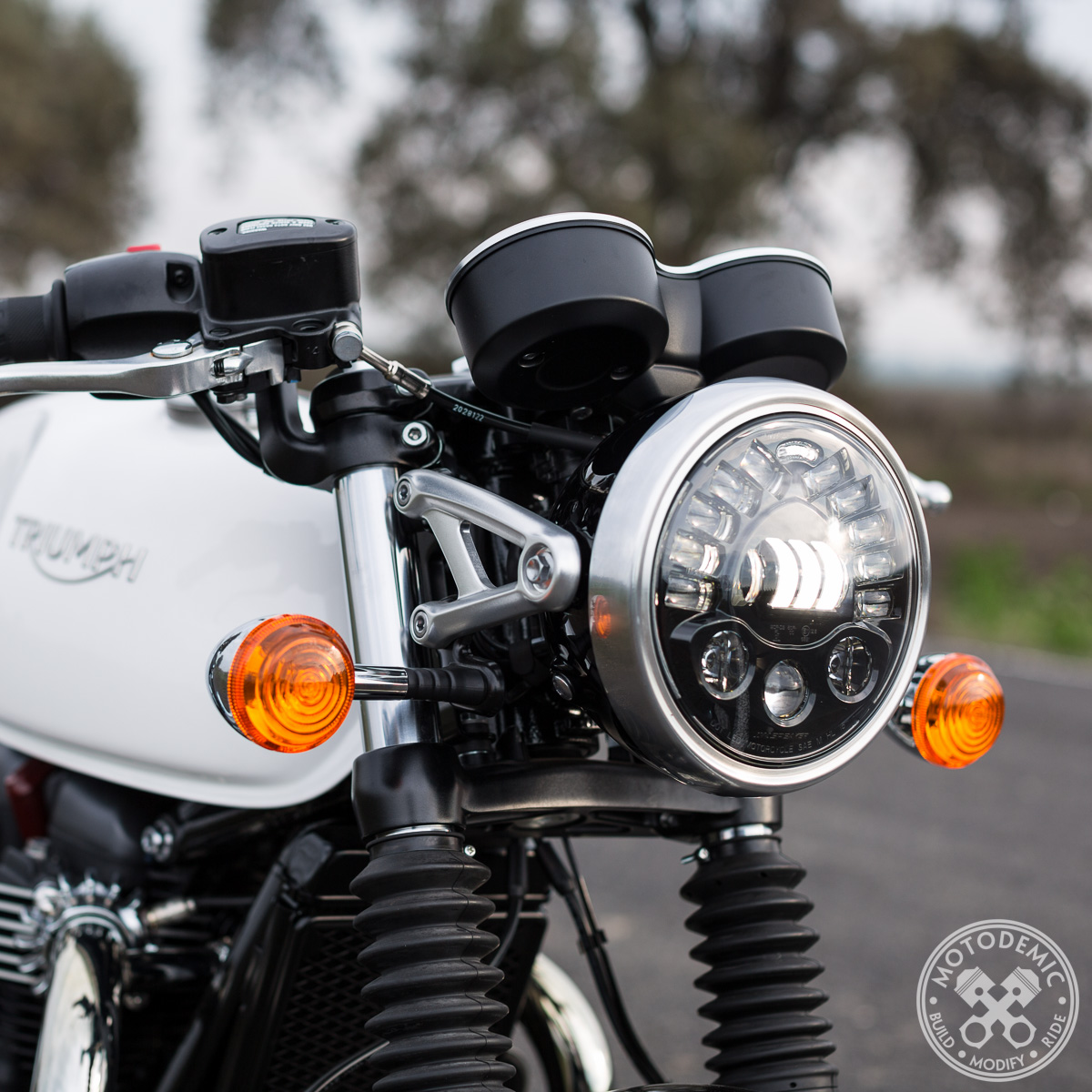 Bmw Usa Jobs >> LED Headlight for Triumph Street Scrambler • MOTODEMIC