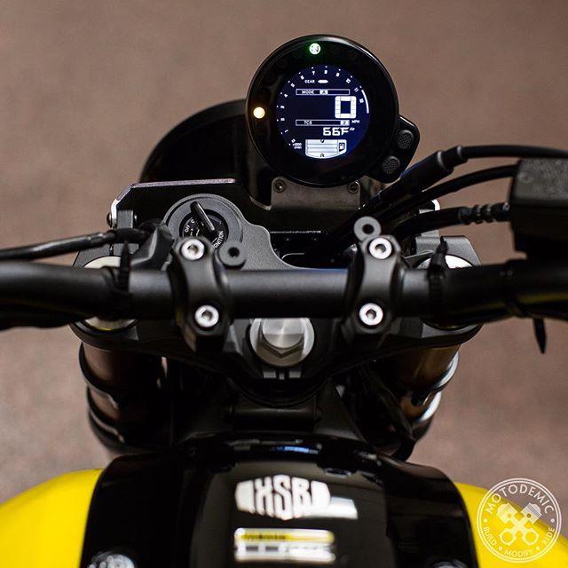 XSR900 Cockpit