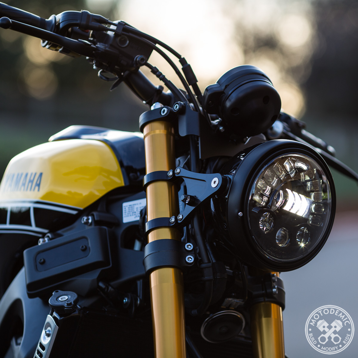 Xsr900 7 Inch Headlight Conversion Motodemic