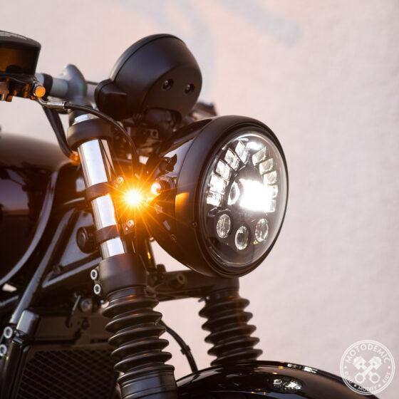 Triumph Bobber 7-inch Headlight Conversion